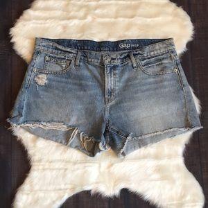 GAP 1969 distressed cut-off shorts 🎀